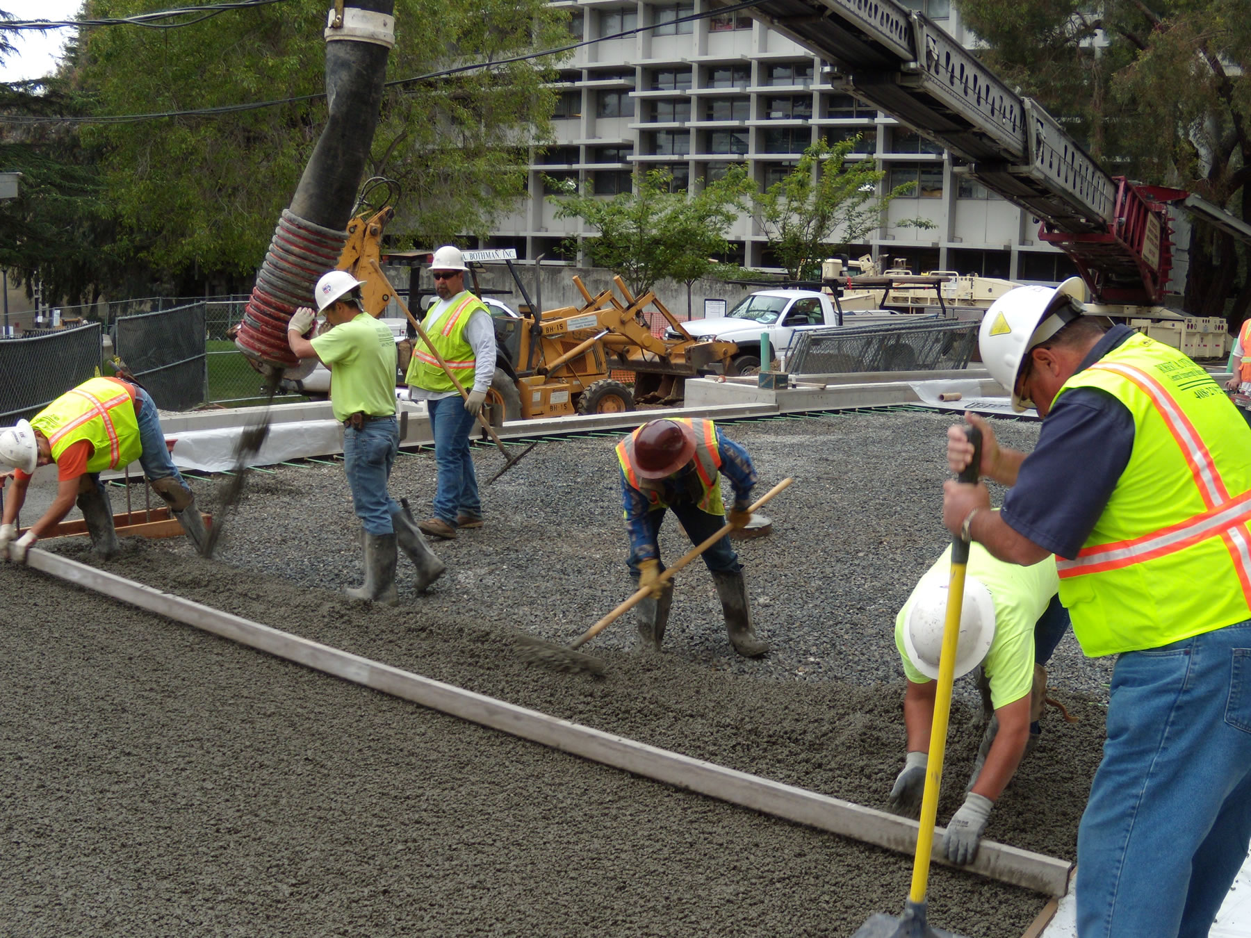 pervious concrete workers